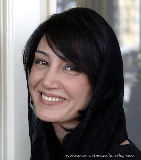 لبخند بازیگر زن خوشگل